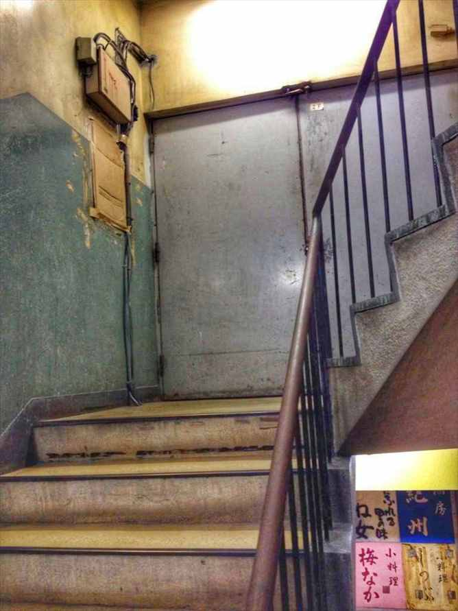 代々木会館の階段